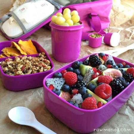 Product Review | Bentgo Stackable Lunchbox Containers + 20% Off Promo Code Ends 11/1!