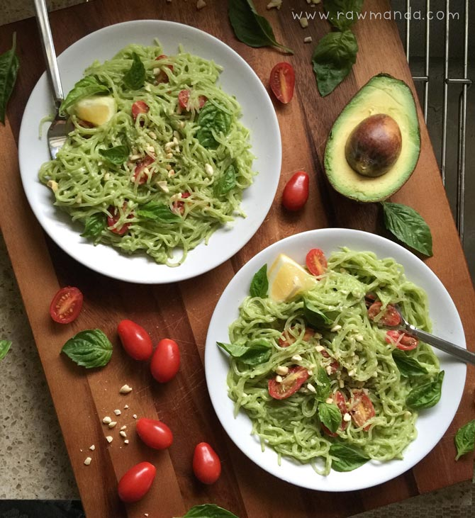 Avocado-Basil-Pesto-Sauce