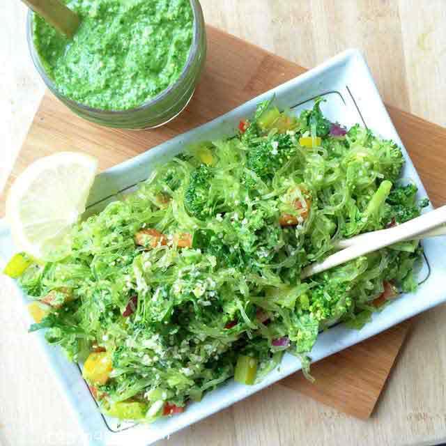 Raw Vegan Recipe   Kelp Noodles + Garlic Kale Pesto Sauce ...